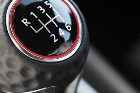 Conoce las razones para conducir autos manuales
