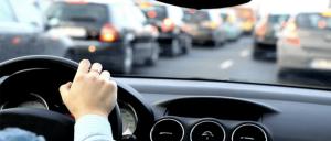 Tips para manejar seguro al trabajo