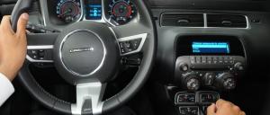 Cosas que nunca debes hacer al manejar con transmisión manual